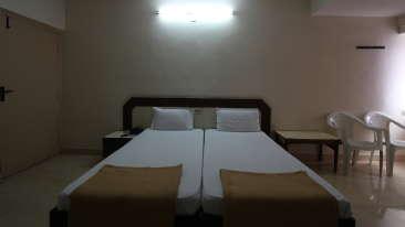 Hotel Maya Deluxe, MG Road, Secunderabad Secunderabad Economy Room Hotel Maya Deluxe MG Road Secunderabad 3
