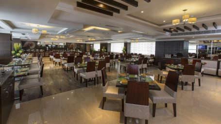 Hotel Pai Viceroy, Tirupati Tirupati Hotel Pai Viceroy Tirupathi Plaintain Leaf Restaurant 3
