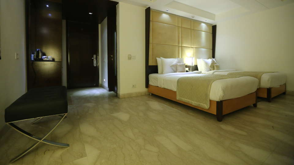 Deluxe Room Grand Venizia Model Town New Delhi 2