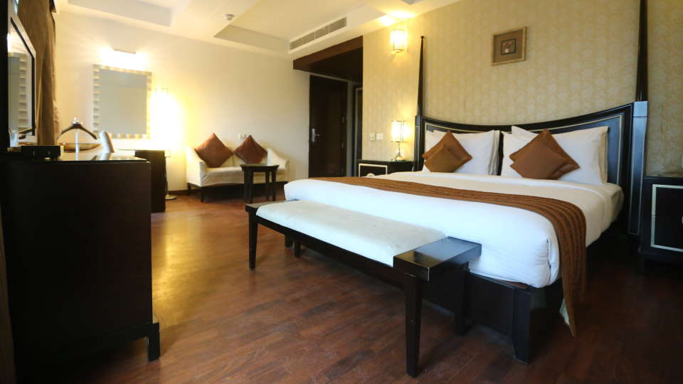 Standard Room Grand Venizia Model Town New Delhi 6