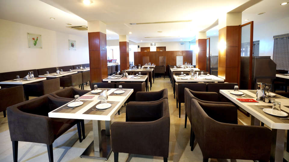 Dharani Non Veg Restaurant at Hotel Geetha Regency in Guntur 2