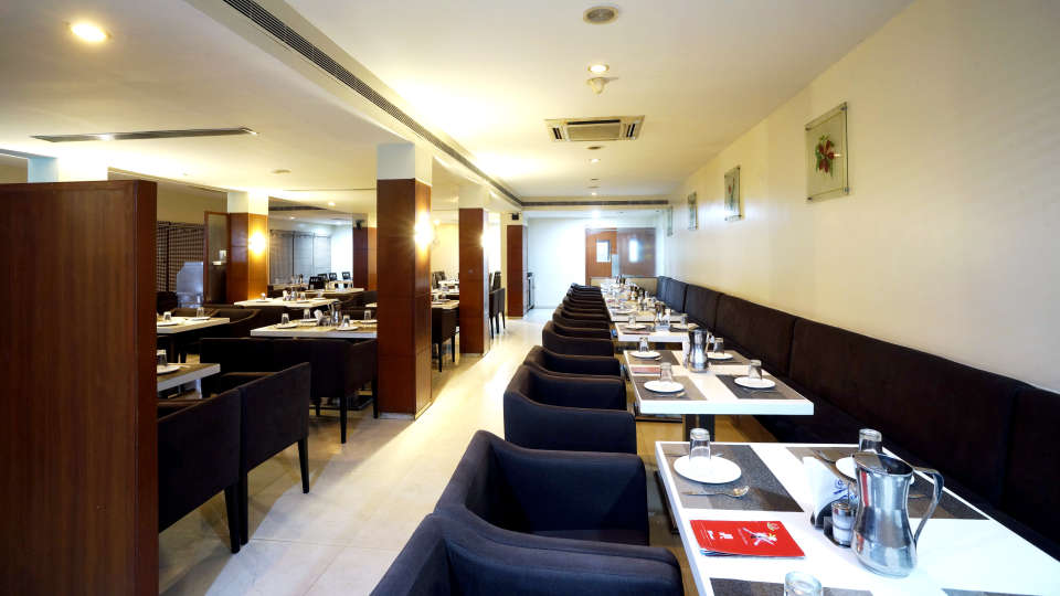 Dharani Non Veg Restaurant at Hotel Geetha Regency in Guntur 5