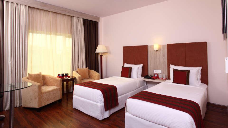 Hotel Nidhivan Sarovar Portico, Mathura Mathura Superior-Rooms -Hotel-Nidhivan-Sarovar-Portico -Mathura- 4