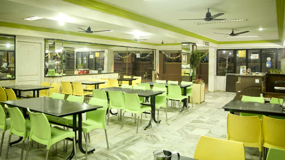 Restaurants Hotel Yasodha Towers 7