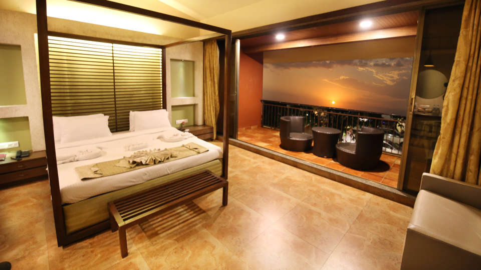 Moghul Room Zara s Resort Budget Hotel in Lonavla 4