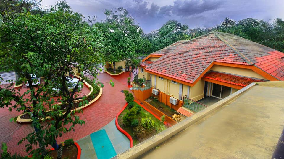 Moghul Room Zara s Resort Lonavla Couples Stay 1