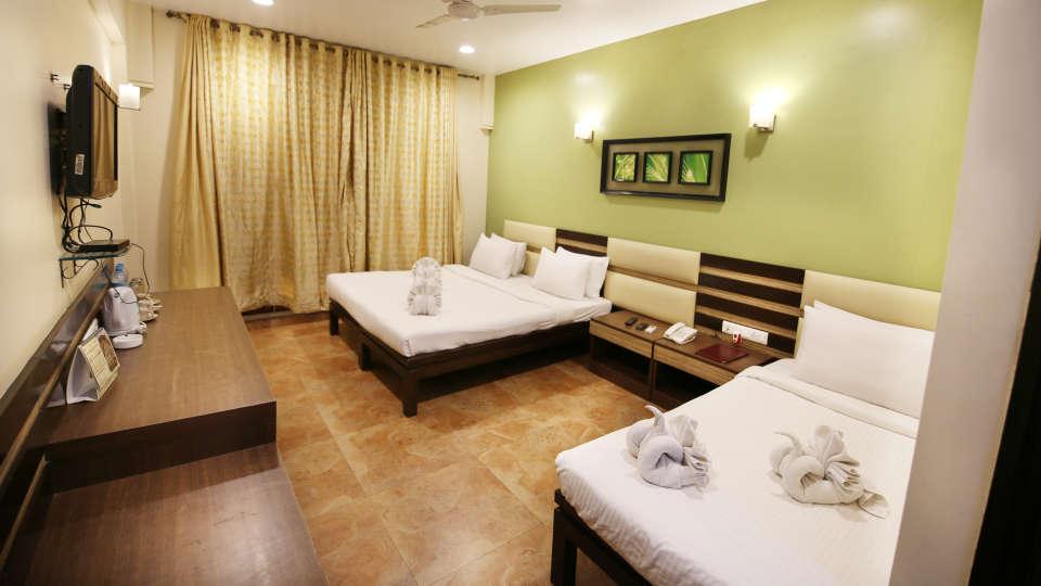 Super Deluxe Room, Zara\'s Resort, Khandala, Rooms in Lonavla 5