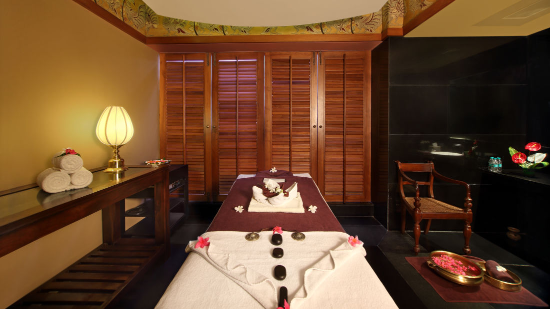 Sohum Spa Hotel Gokulam Grand Bangalore6