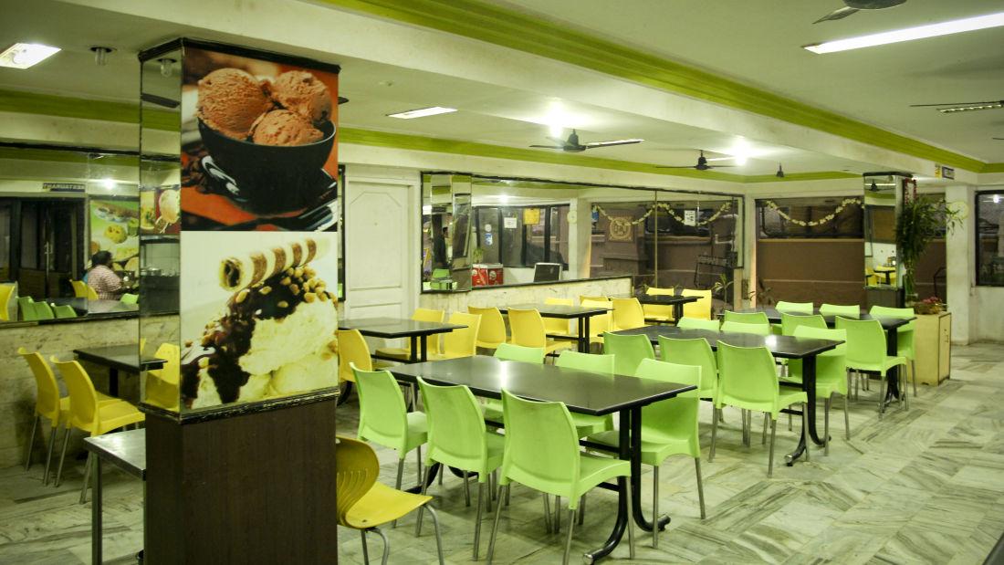 Restaurants Hotel Yasodha Towers 9