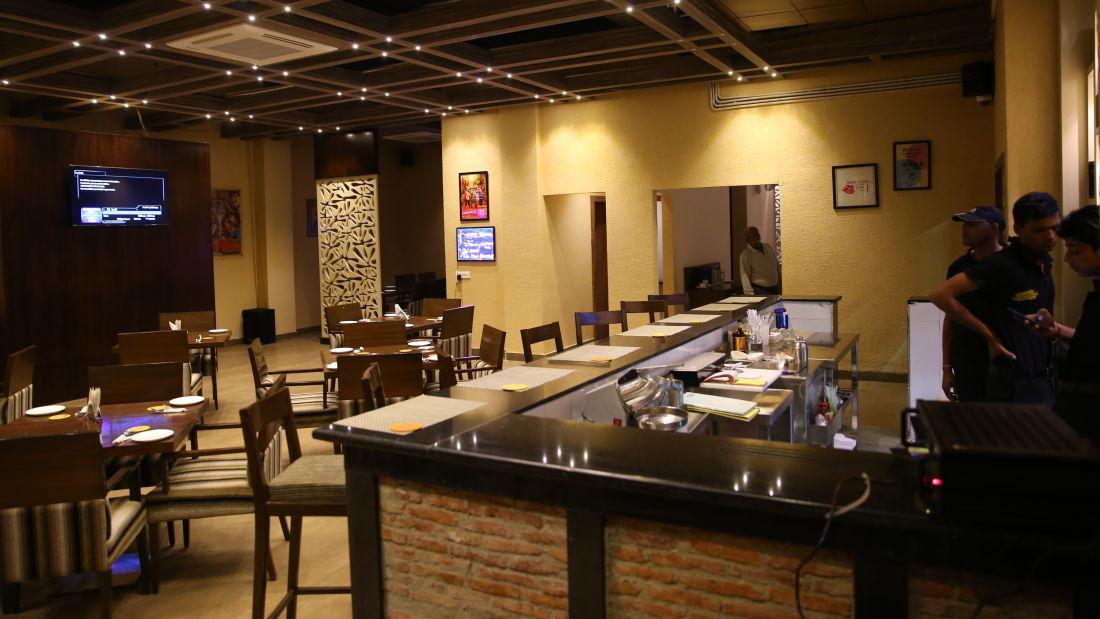 Le ROI Udaipur Hotel Udaipur Patiala Peg Bar Le Roi Udaipur 7