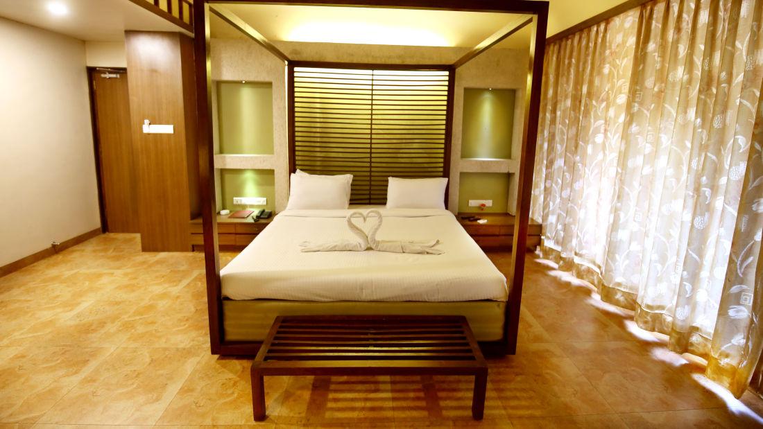Lonavala Hotel Room_Zara s Resort_Lonavala Pool Resort 1
