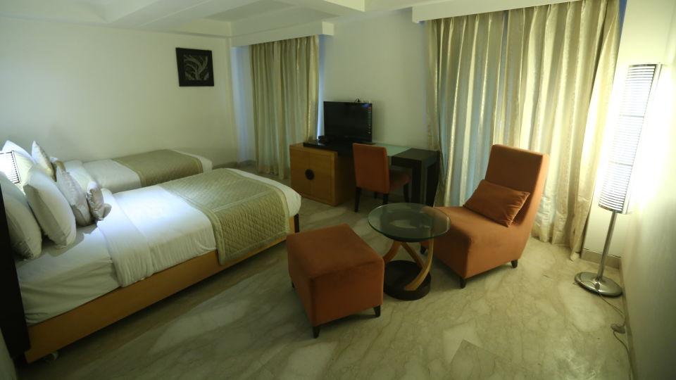 Deluxe Room Grand Venizia Model Town New Delhi 10
