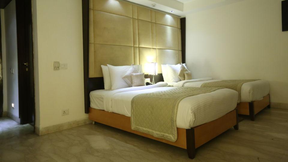 Deluxe Room Grand Venizia Model Town New Delhi 1