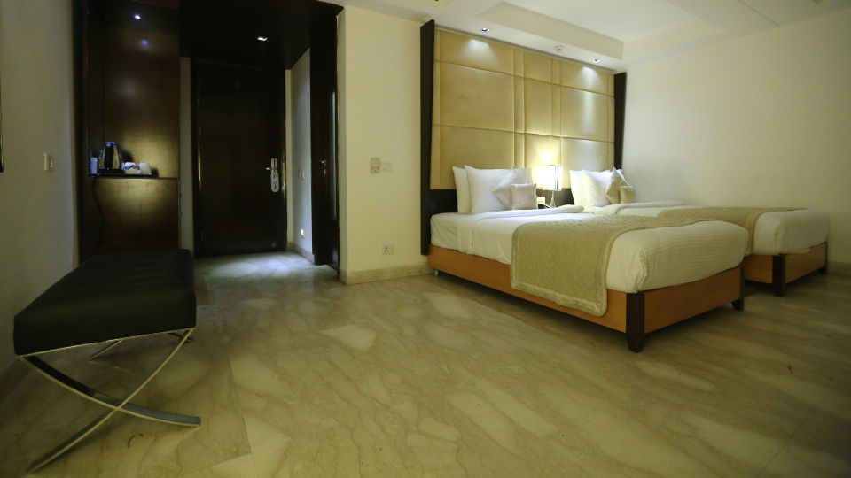 Deluxe Room Grand Venizia Model Town New Delhi 2