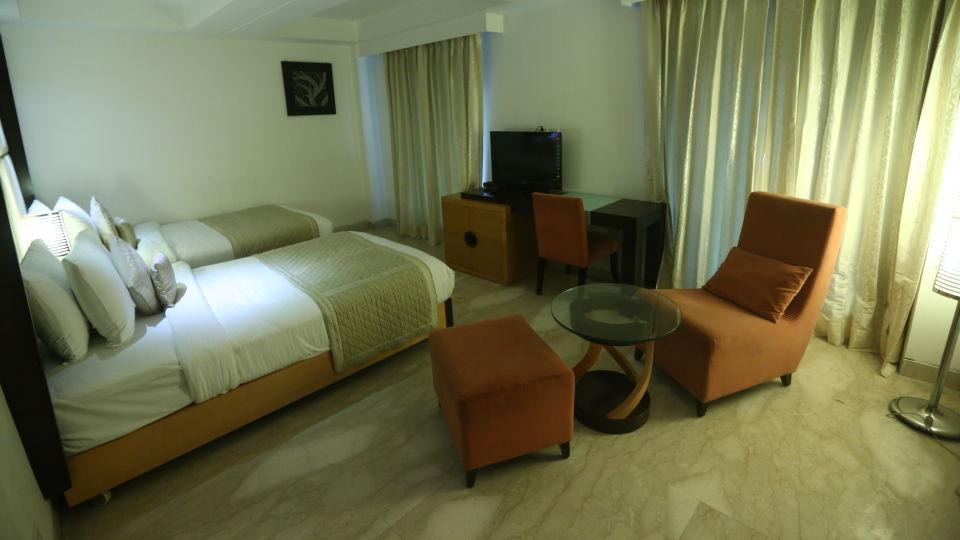 Deluxe Room Grand Venizia Model Town New Delhi 9
