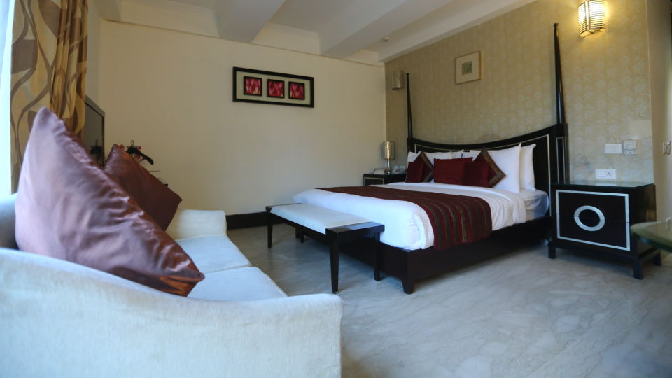 Standard Room Grand Venizia Model Town New Delhi 1