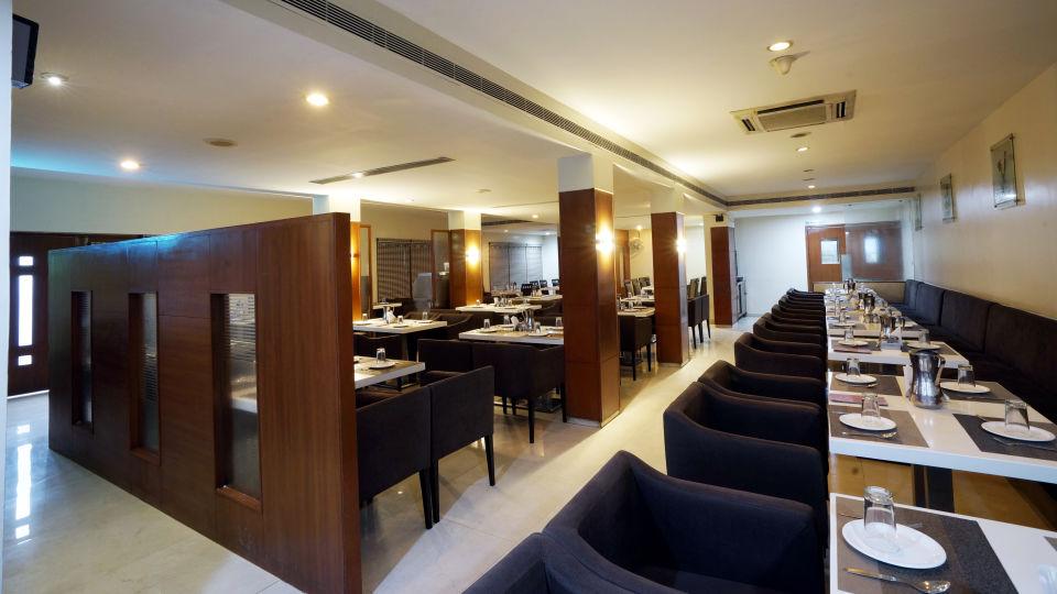 Dharani Non Veg Restaurant at Hotel Geetha Regency in Guntur 1
