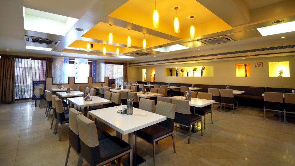 Nagarjuna Veg Restaurant at Hotel Geetha Regency in Guntur 2