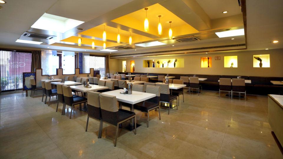 Nagarjuna Veg Restaurant at Hotel Geetha Regency in Guntur 3