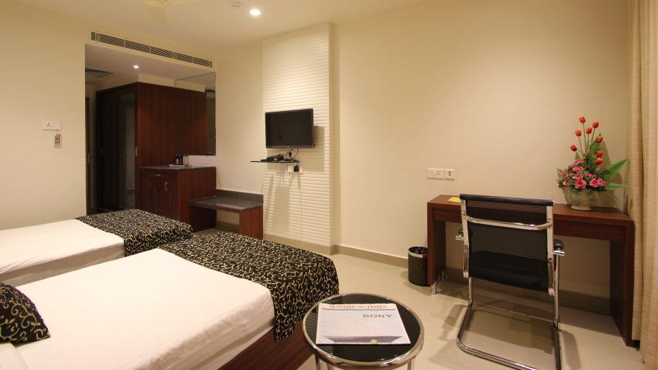 Hotel Hyderabad Grand Hyderabad Standard Room Hotel Hyderabad Grand Hyderabad 4