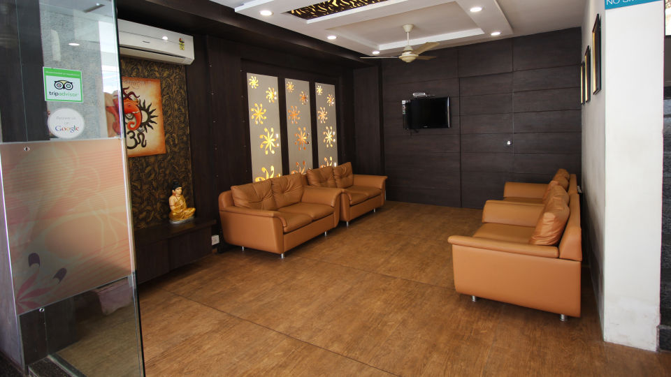Lobby Hotel Jyoti - Rajkot Gujrat 2
