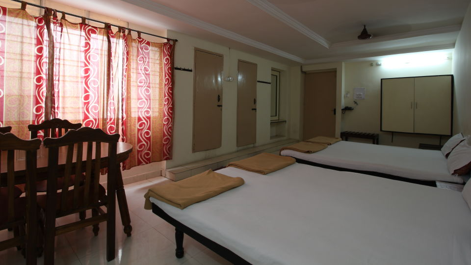 Hotel Maya Deluxe, MG Road, Secunderabad Secunderabad Deluxe Room Hotel Maya Deluxe MG Road Secunderabad 7