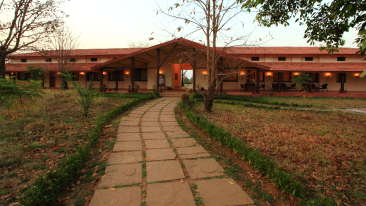 Main Entrance of Infinity Resorts Kanha