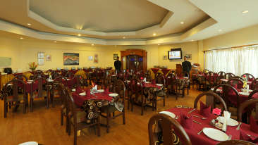 Kufri Holiday Resort Restaurant 2