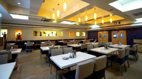 Nagarjuna Veg Restaurant at Hotel Geetha Regency in Guntur 5