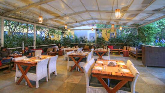 The Forresta Kitchen   Bar Hotel Devraj Niwas 10