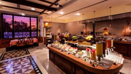 Shahnama Restaurant in Bhopal-Jehan Numa Palace Bhopal-resort in bhopal dnchfuh