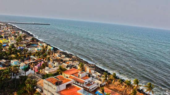 Rock Beach  Hotel Le Dupliex Pondicherry  hotels near rock beach 1