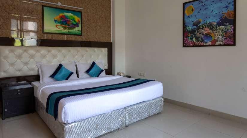 6 Deluxe room