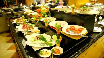 Nilgiris at gokulam park and convention centre cochin , restaurant in kochi 1