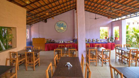 Sea Wave Multi-Cuisine Restaurant in Goa at Lotus Beach Resort in Benaulim 15