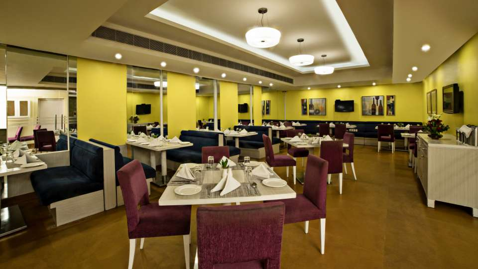 Dining at Sarovar Portico Naraina 4