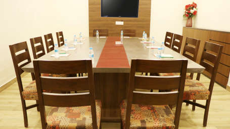 Hotel Pals Inn, Patel Nagar, New Delhi New Delhi Conference Hall Hotel Pals Inn Patel Nagar New Delhi 3
