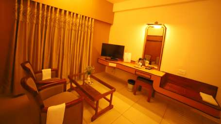 Double Deluxe, Hotel Sindhuri Park, Budget hotel in Tirupati-10