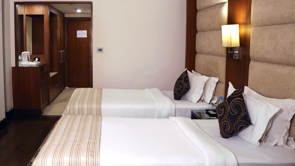Deluxe Rooms at The Bristol Hotel Gurgaon, Rooms in Gurgaon 5