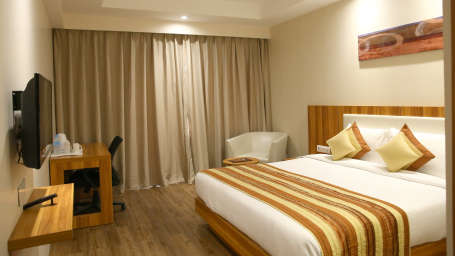 Le ROI Udaipur Hotel Udaipur Premium Golden Room 5 at Le ROI Udaipur Hotel