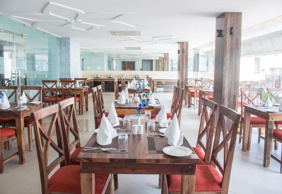 alt-text Multicuisine Restaurant