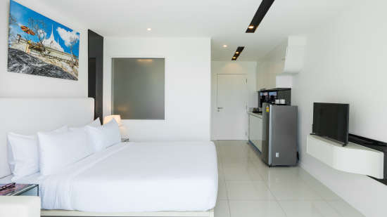 Superior King Room at AHAsmartstays-Best Hotel in Pattaya 7