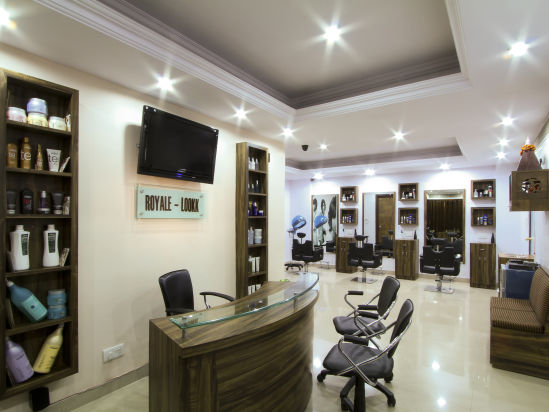 Salon The Piccadily Lucknow