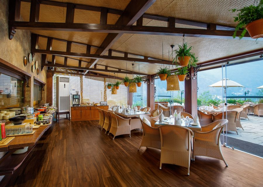 alt-text Restaurant- Aloha on the Ganges Rishikesh 5 m2fcf3