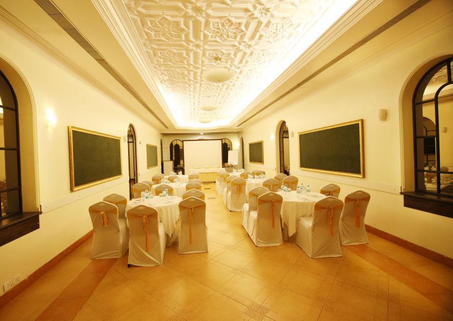alt-text Vintage Hall 3