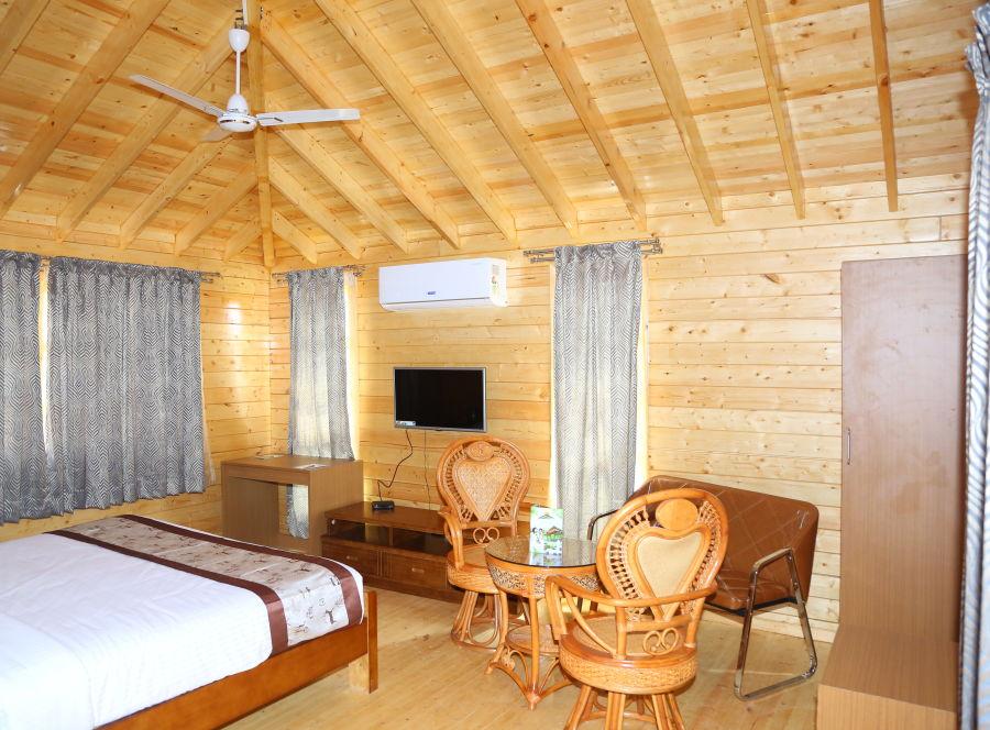 alt-text Wood House Room