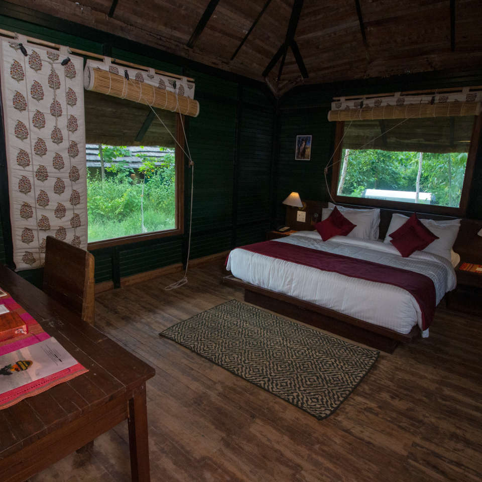 LUXURY HUTS BEDROOM