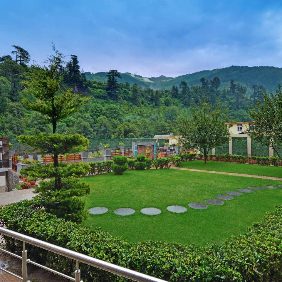Garden at The Manali Inn Hotel
