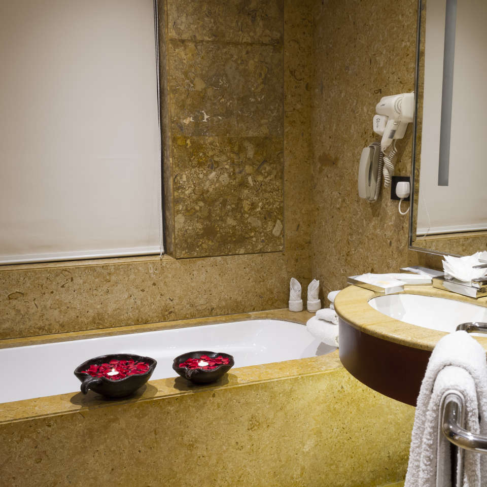 Suites Near Bani Park , Hotel Zone By The Park , Suites In Jaipur 1