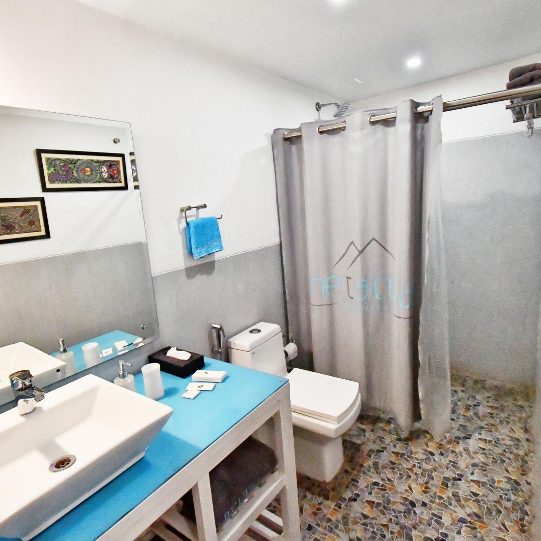 Bathroom p 2